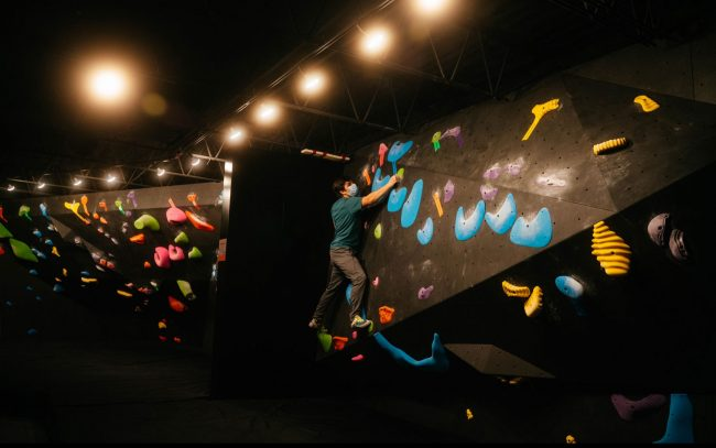 """Climbing at the new """"boutique-style"""" gym"""