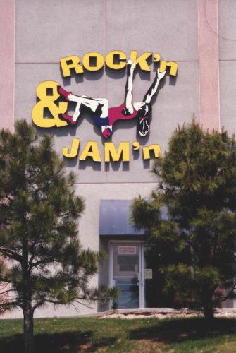 ROCK'n & JAM'n signage